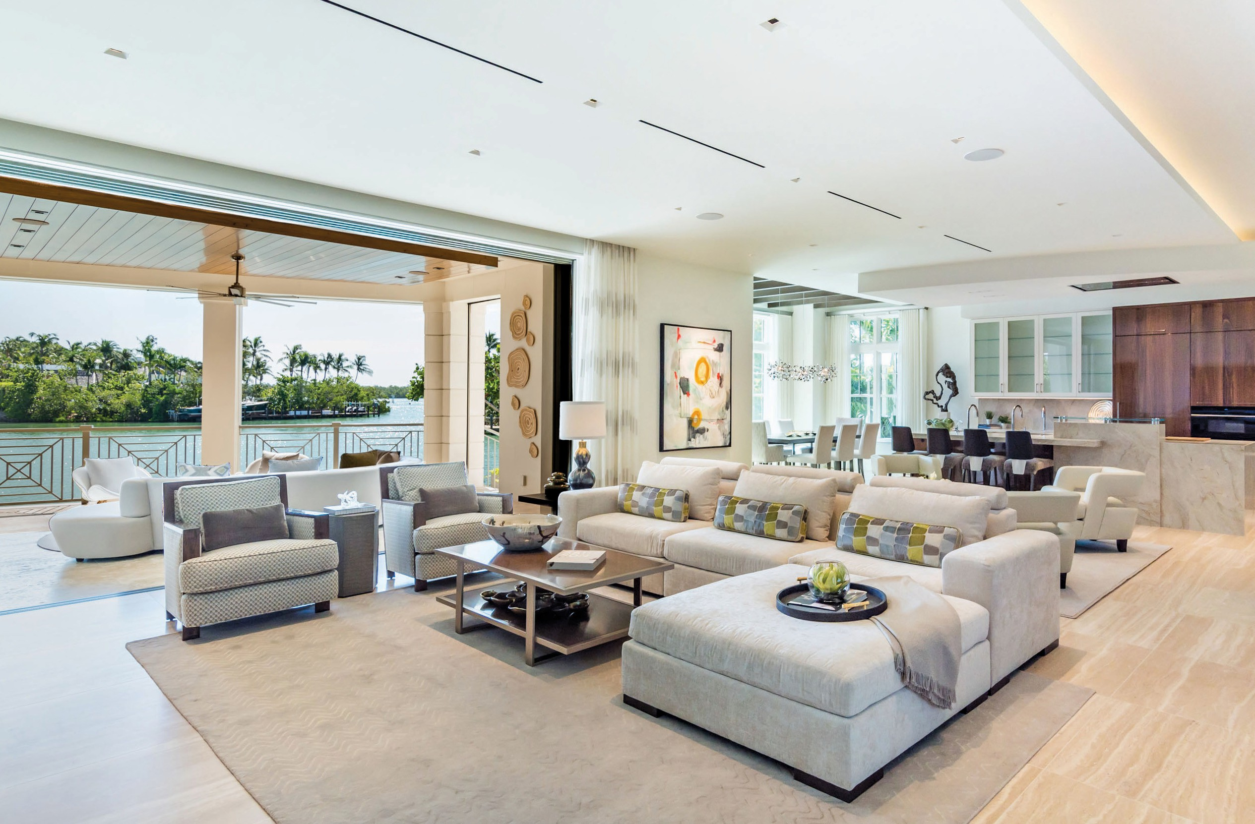 Above: Romanza created a stunning contemporary design boasting elegance in the large great ream with