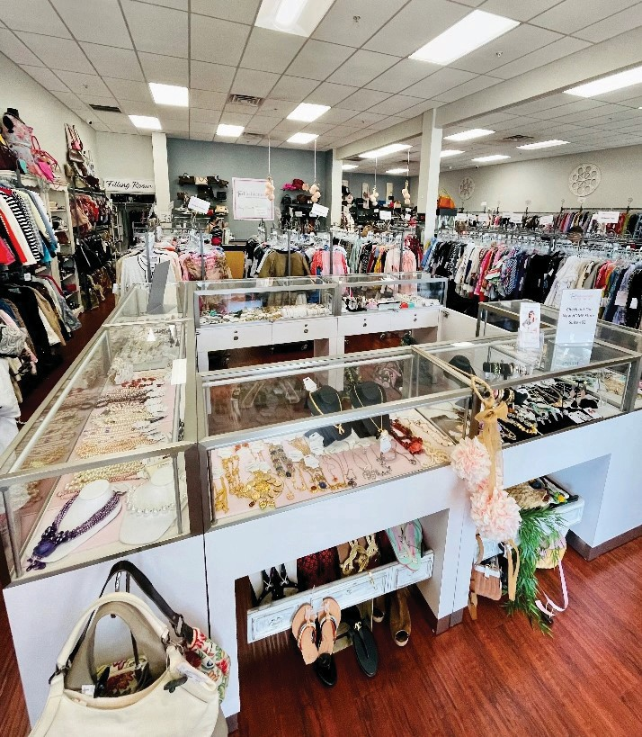 True Fashionistas buys and sells branded used clothing and accessories for men, women and children.
